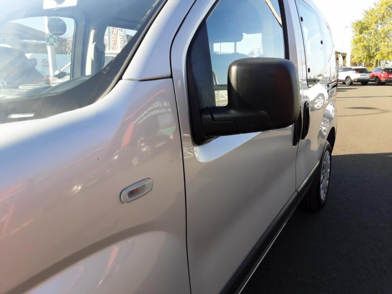 Photo 21 de l'offre de CITROEN NEMO Multispace HDI 80 Confort BMP à 10800€ chez Centrale auto marché Périgueux