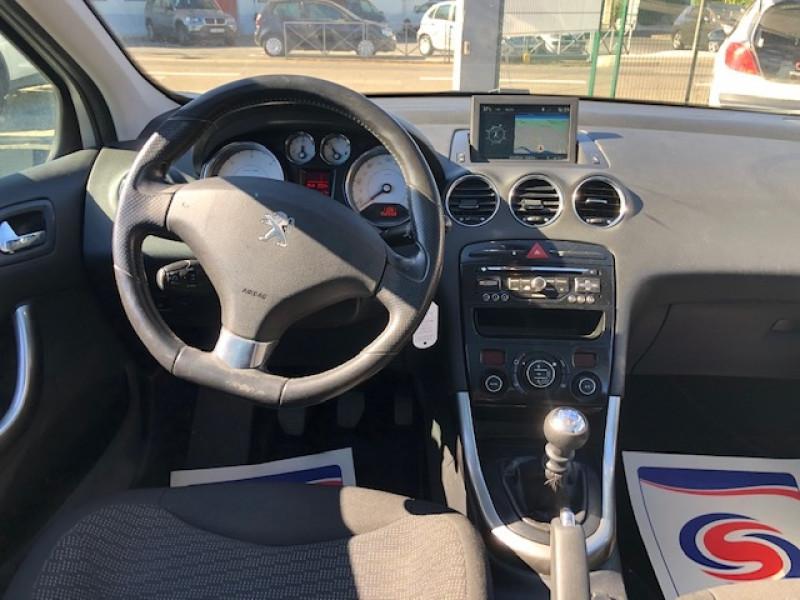 Photo 12 de l'offre de PEUGEOT 308  1.6 E-HDI 112 ALLURE GPS ATTELAGE à 7990€ chez Triplo auto