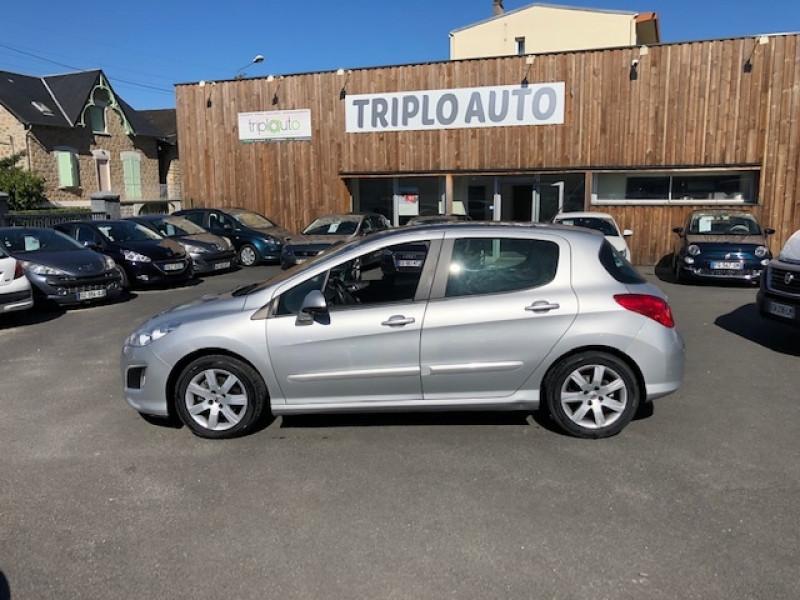 Photo 2 de l'offre de PEUGEOT 308  1.6 E-HDI 112 ALLURE GPS ATTELAGE à 7990€ chez Triplo auto