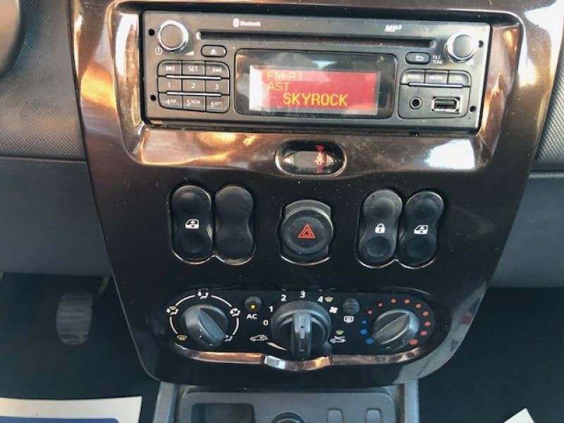 Photo 13 de l'offre de DACIA DUSTER 1.5 DCI110 LAURéATE CLIM DISTRI OK à 6990€ chez Triplo auto