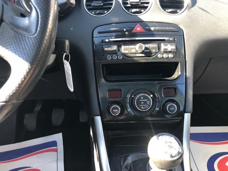Photo 15 de l'offre de PEUGEOT 308  1.6 E-HDI 112 ALLURE GPS ATTELAGE à 7990€ chez Triplo auto