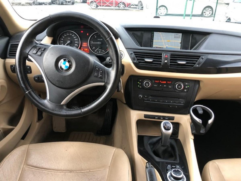 Photo 14 de l'offre de BMW X1  XDRIVE 204CV 23D E84 LUXE 4X4  à 9990€ chez Triplo auto