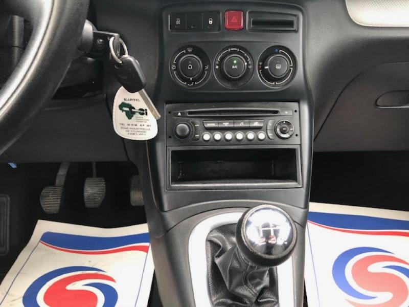 Photo 20 de l'offre de CITROEN C3 PICASSO 1.6 HDI100  CONFORT CLIM ATTELAGE à 8990€ chez Triplo auto