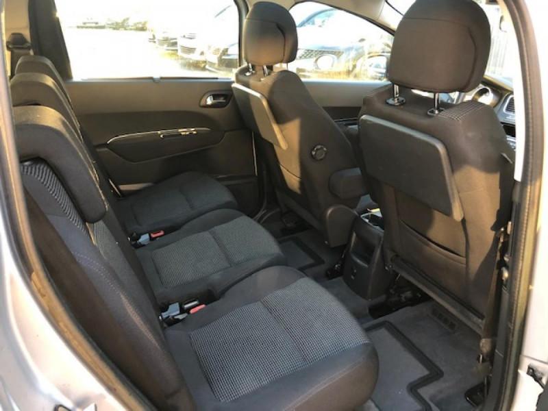 Photo 10 de l'offre de PEUGEOT 5008  1.6HDI112 5PL ALLURE GPS RADAR TOITPANO à 6990€ chez Triplo auto