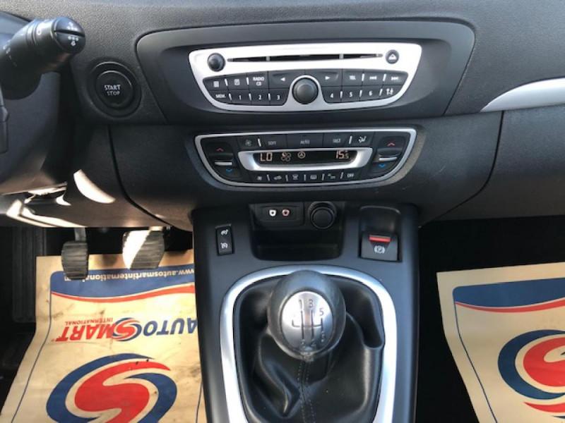 Photo 13 de l'offre de RENAULT SCENIC 1.5DCI110 EXPRESSION GPS RADAR à 6650€ chez Triplo auto