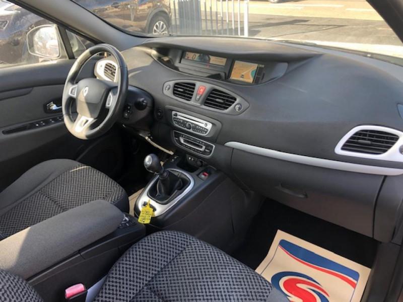 Photo 10 de l'offre de RENAULT SCENIC 1.5DCI110 EXPRESSION GPS RADAR à 6650€ chez Triplo auto