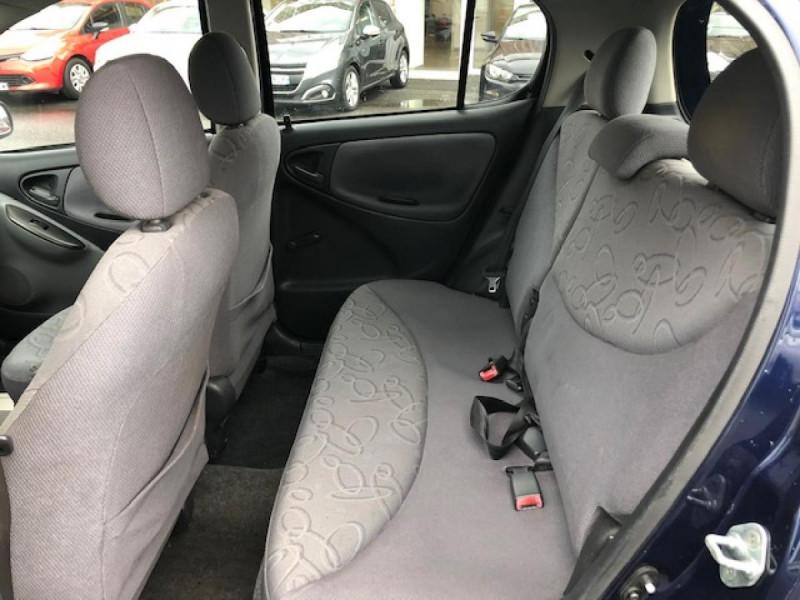 Photo 10 de l'offre de TOYOTA YARIS 1.3I 86CV LINEA LUNA CLIM  GAR3MOIS à 2990€ chez Triplo auto