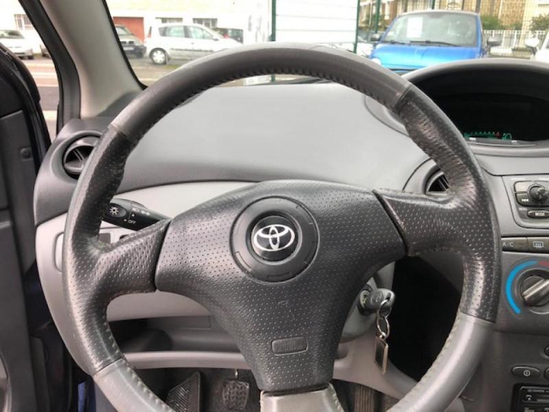 Photo 17 de l'offre de TOYOTA YARIS 1.3I 86CV LINEA LUNA CLIM  GAR3MOIS à 2990€ chez Triplo auto