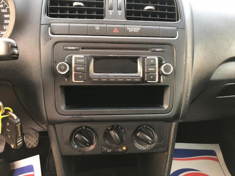Photo 18 de l'offre de VOLKSWAGEN POLO 1.2 TDI CR FAP - 75  TRENDLINE CLIM à 6650€ chez Triplo auto
