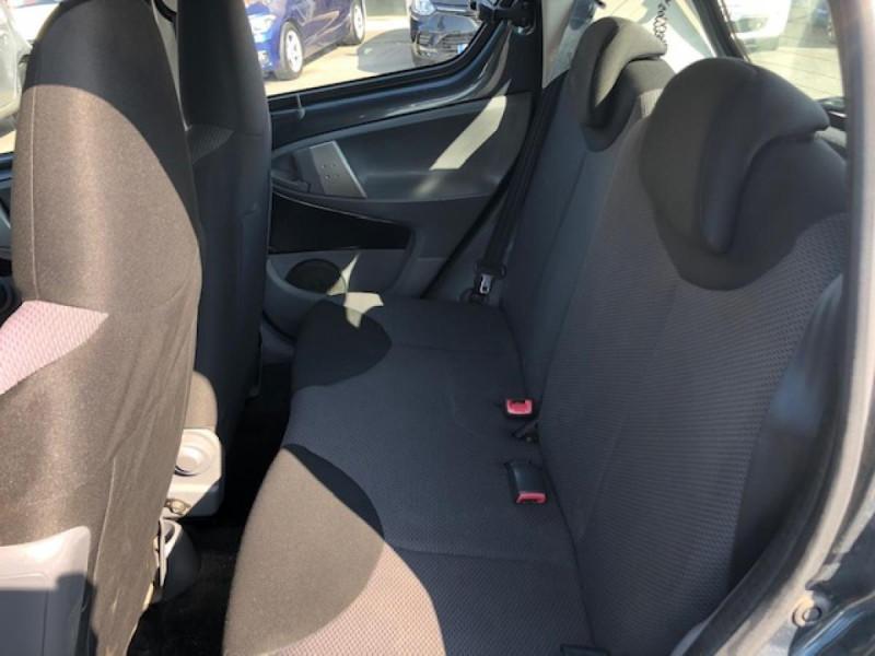 Photo 11 de l'offre de TOYOTA AYGO 1.4 D  CONFORT CLIM 5P à 2990€ chez Triplo auto
