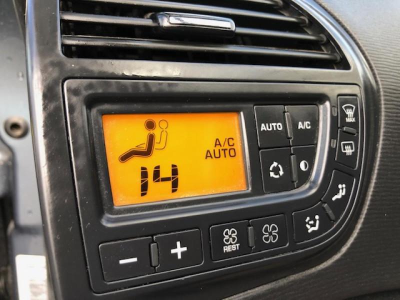 Photo 18 de l'offre de CITROEN C4 PICASSO 1.6 HDI 16V FAP - 110  MONOSPACE MILLENIUM  à 4250€ chez Triplo auto