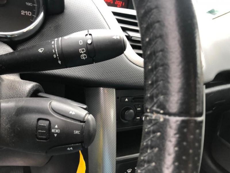 Photo 15 de l'offre de PEUGEOT 207  1.4 VTI 16V  BERLINE TRENDY  à 5490€ chez Triplo auto