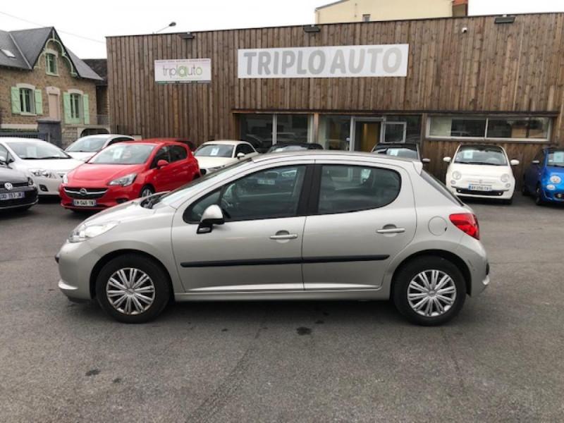 Photo 2 de l'offre de PEUGEOT 207  1.4 VTI 16V  BERLINE TRENDY  à 5490€ chez Triplo auto