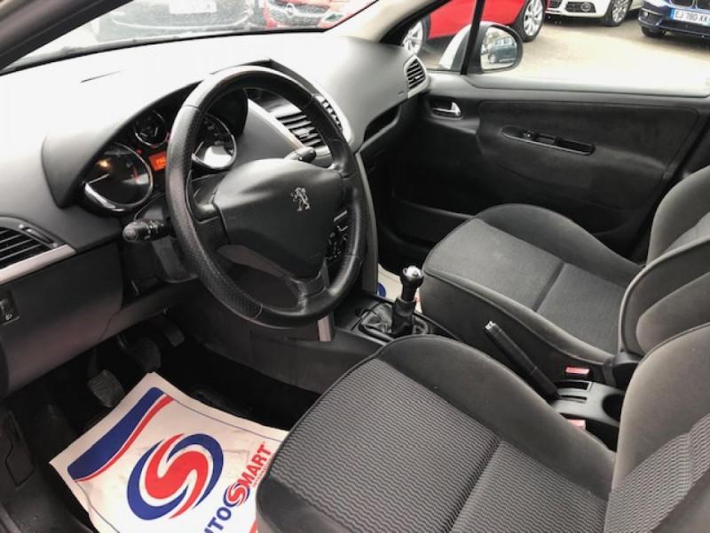 Photo 11 de l'offre de PEUGEOT 207  1.4 VTI 16V  BERLINE TRENDY  à 5490€ chez Triplo auto