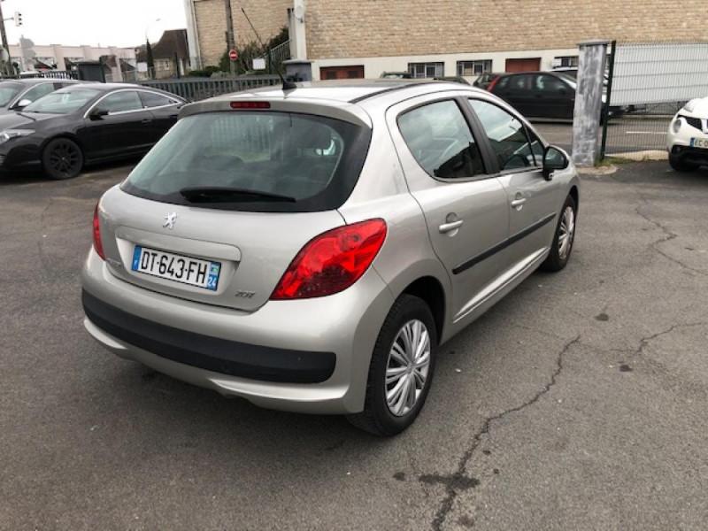 Photo 5 de l'offre de PEUGEOT 207  1.4 VTI 16V  BERLINE TRENDY  à 5490€ chez Triplo auto