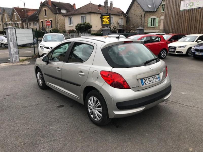 Photo 3 de l'offre de PEUGEOT 207  1.4 VTI 16V  BERLINE TRENDY  à 5490€ chez Triplo auto