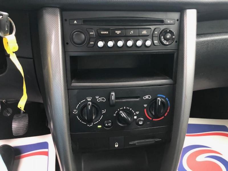 Photo 16 de l'offre de PEUGEOT 207  1.4 VTI 16V  BERLINE TRENDY  à 5490€ chez Triplo auto