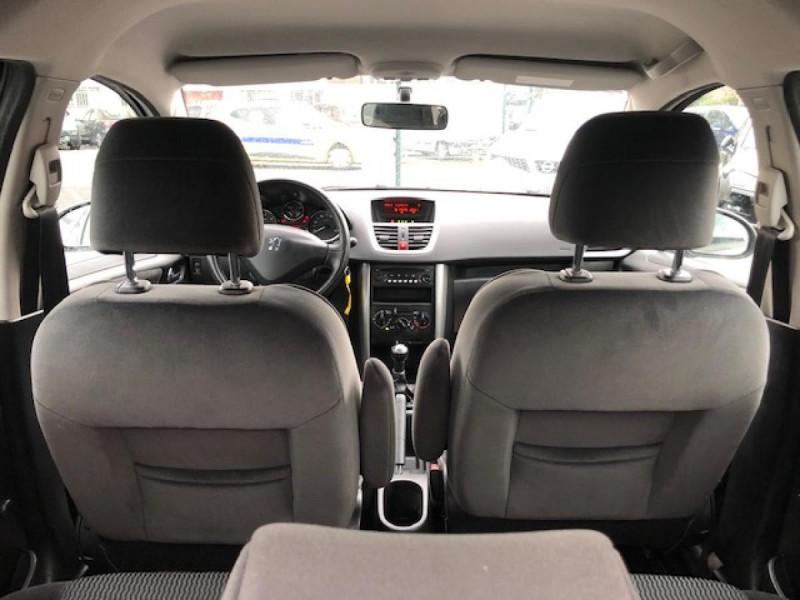 Photo 9 de l'offre de PEUGEOT 207  1.4 VTI 16V  BERLINE TRENDY  à 5490€ chez Triplo auto