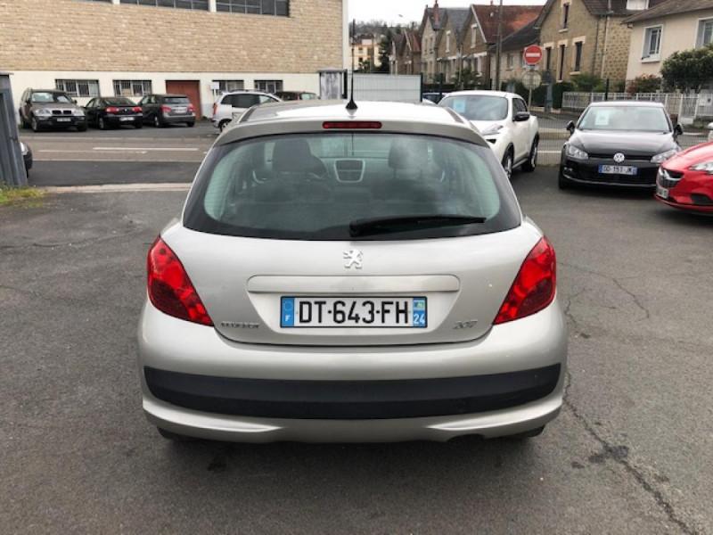 Photo 4 de l'offre de PEUGEOT 207  1.4 VTI 16V  BERLINE TRENDY  à 5490€ chez Triplo auto