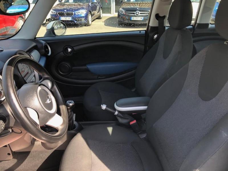 Photo 16 de l'offre de MINI MINI CLUBMAN COOPER D 1.6D110   à 6750€ chez Triplo auto