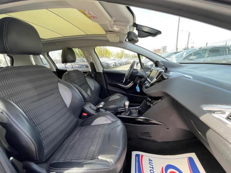 Photo 22 de l'offre de PEUGEOT 2008  1.6 E-HDI FAP - 92  ALLURE    TOIT   GRIPCONTROL à 11990€ chez Triplo auto