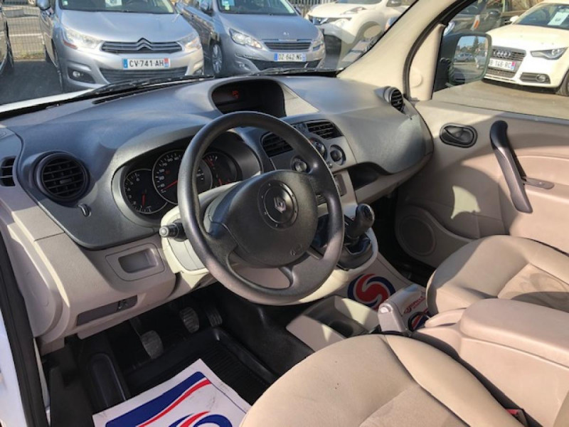 Photo 13 de l'offre de RENAULT KANGOO L1 1.5 DCI - 70  II EXPRESS FOURGON CONFORT CLIM à 6490€ chez Triplo auto