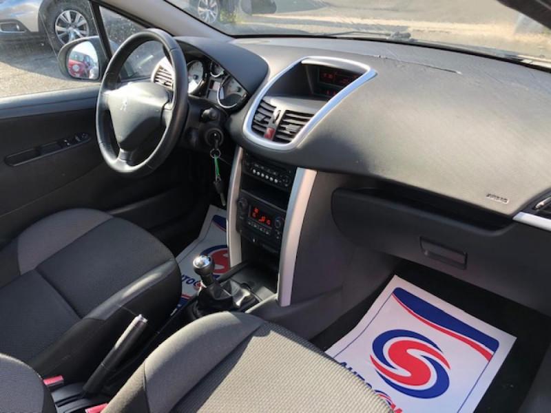 Photo 13 de l'offre de PEUGEOT 207  1.4 VTI 16V  ALLURE   à 6990€ chez Triplo auto