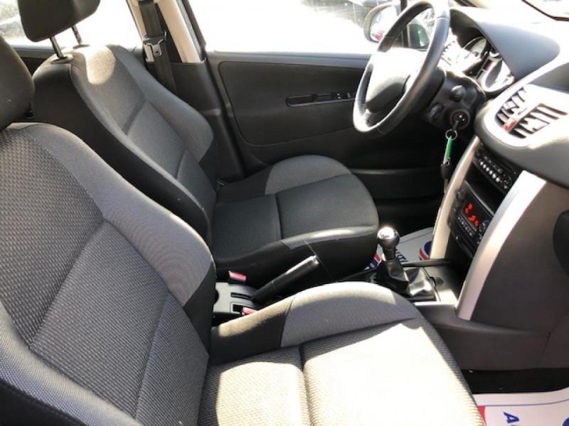 Photo 12 de l'offre de PEUGEOT 207  1.4 VTI 16V  ALLURE   à 6990€ chez Triplo auto
