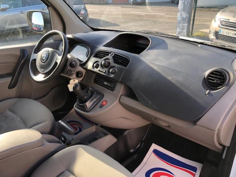 Photo 12 de l'offre de RENAULT KANGOO L1 1.5 DCI - 70  II EXPRESS FOURGON CONFORT CLIM à 6490€ chez Triplo auto