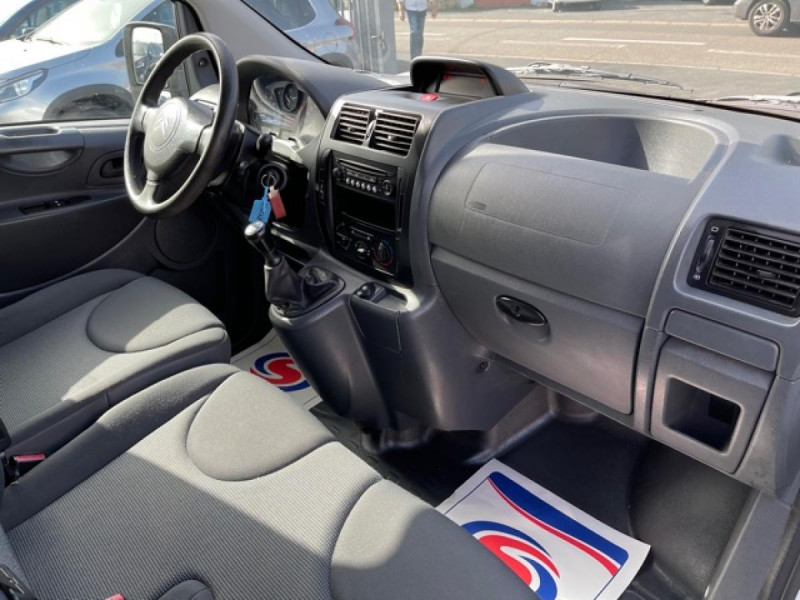 Photo 14 de l'offre de CITROEN JUMPY L1H1 1.6 HDI FAP - 90  CONFORT  à 10850€ chez Triplo auto