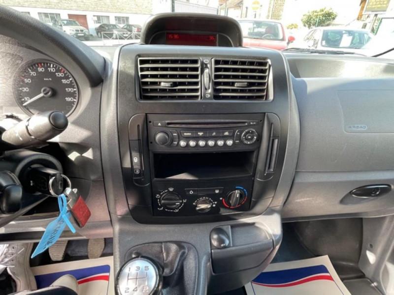 Photo 18 de l'offre de CITROEN JUMPY L1H1 1.6 HDI FAP - 90  CONFORT  à 10850€ chez Triplo auto