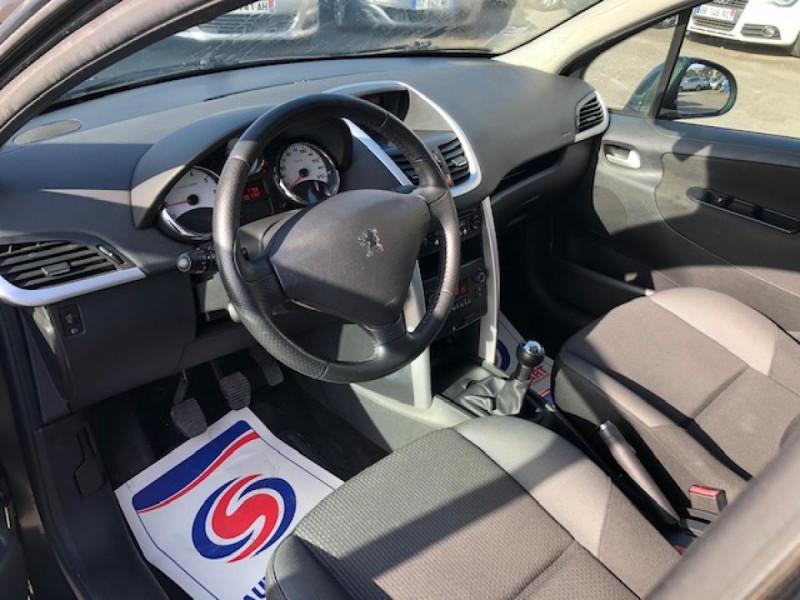 Photo 14 de l'offre de PEUGEOT 207  1.4 VTI 16V  ALLURE   à 6990€ chez Triplo auto