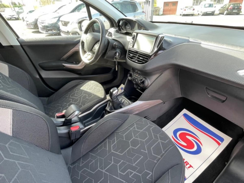 Photo 14 de l'offre de PEUGEOT 2008  1.2I PURETECH 12V - 82  STYLE   GPS  à 10450€ chez Triplo auto