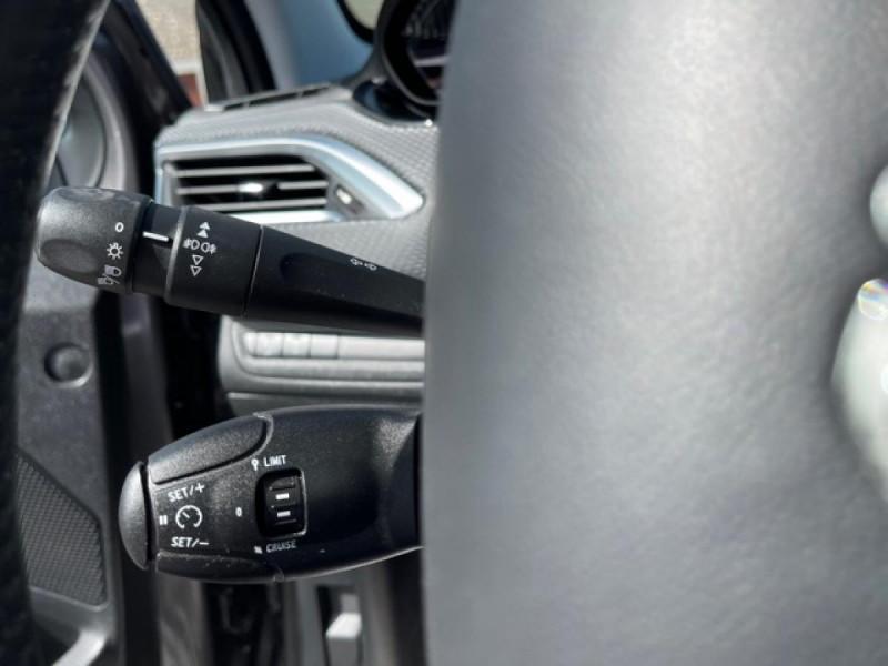 Photo 22 de l'offre de PEUGEOT 2008  1.2I PURETECH 12V - 82  STYLE   GPS  à 10450€ chez Triplo auto