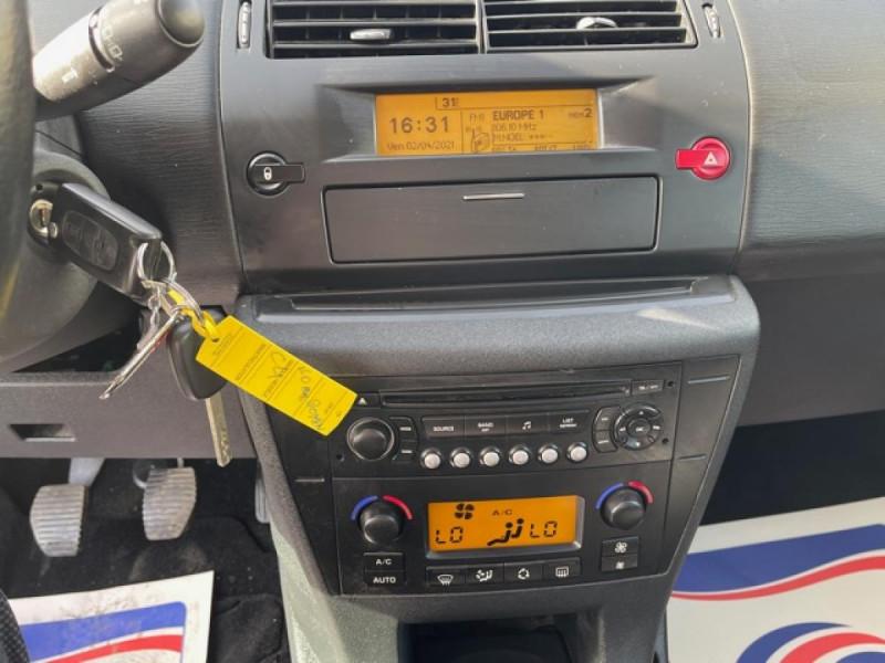 Photo 19 de l'offre de CITROEN C4  1.6I 16V - 110  PACK AMBIANCE CLIM RADAR RECUL  à 6350€ chez Triplo auto