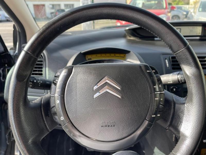 Photo 18 de l'offre de CITROEN C4  1.6I 16V - 110  PACK AMBIANCE CLIM RADAR RECUL  à 6350€ chez Triplo auto