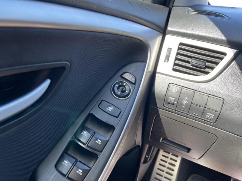 Photo 21 de l'offre de HYUNDAI I30 1.6 CRDI - 110 - BVA DCT-7 EXECUTIVE GPS à 10990€ chez Triplo auto