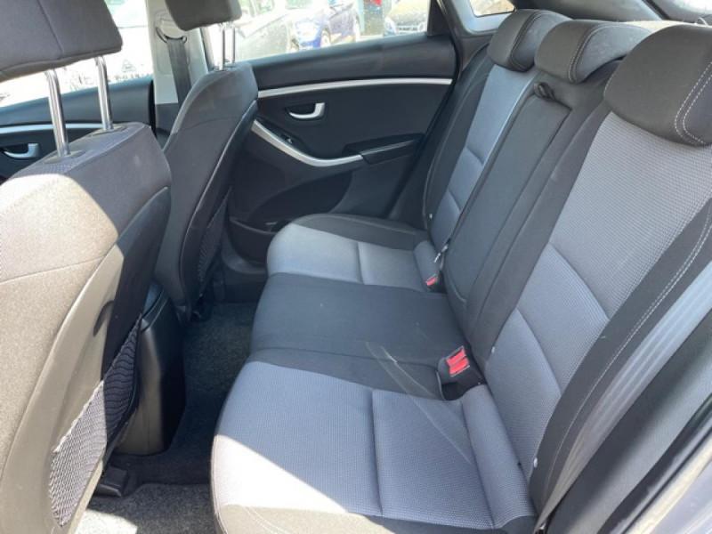 Photo 11 de l'offre de HYUNDAI I30 1.6 CRDI - 110 - BVA DCT-7 EXECUTIVE GPS à 10990€ chez Triplo auto