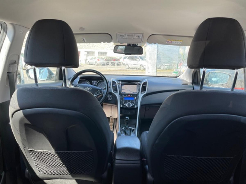 Photo 10 de l'offre de HYUNDAI I30 1.6 CRDI - 110 - BVA DCT-7 EXECUTIVE GPS à 10990€ chez Triplo auto