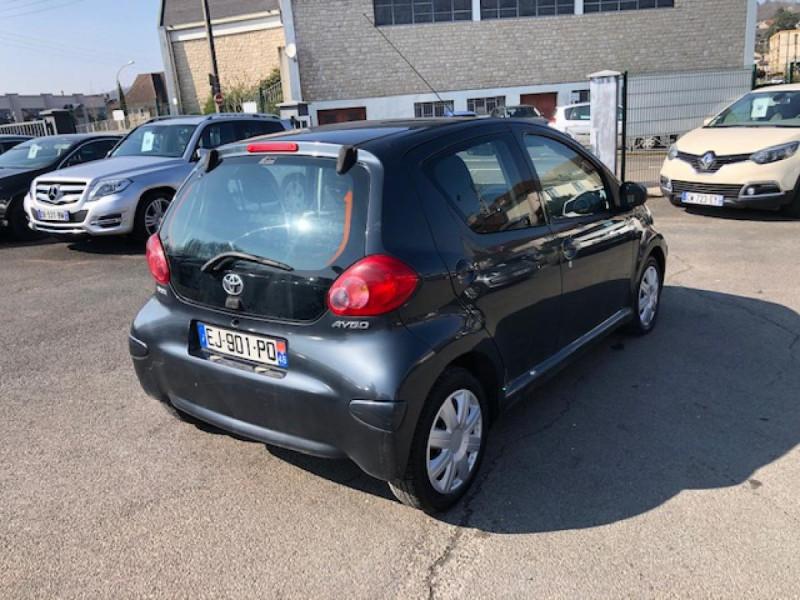 Photo 5 de l'offre de TOYOTA AYGO 1.4 D  CONFORT CLIM 5P à 2990€ chez Triplo auto