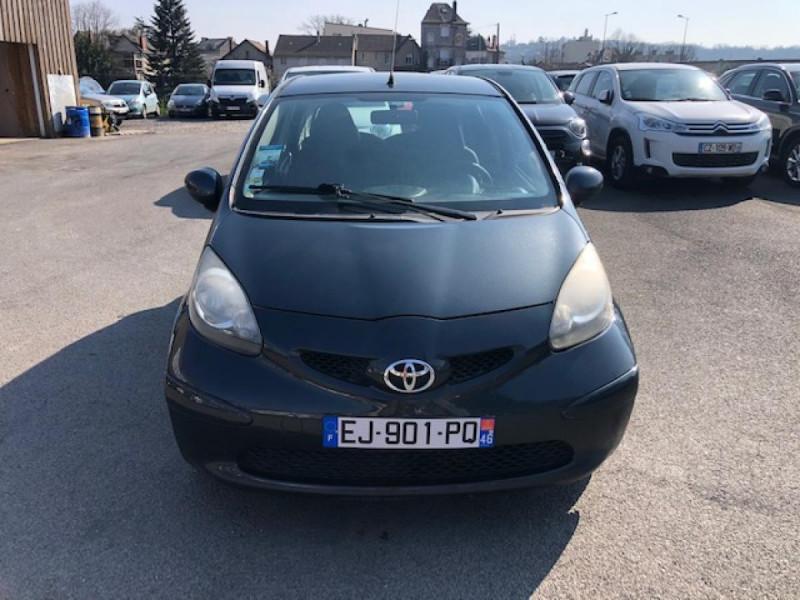 Photo 8 de l'offre de TOYOTA AYGO 1.4 D  CONFORT CLIM 5P à 2990€ chez Triplo auto