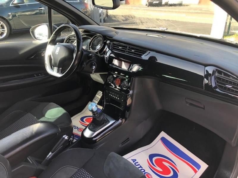 Photo 14 de l'offre de DS DS3  1.6THP155 SPORT CHIC CLIM RADAR REGULATEUR LIMITEUR DE VITESSE  CHAINE DE DISTRIBUTION NEUVE à 7490€ chez Triplo auto