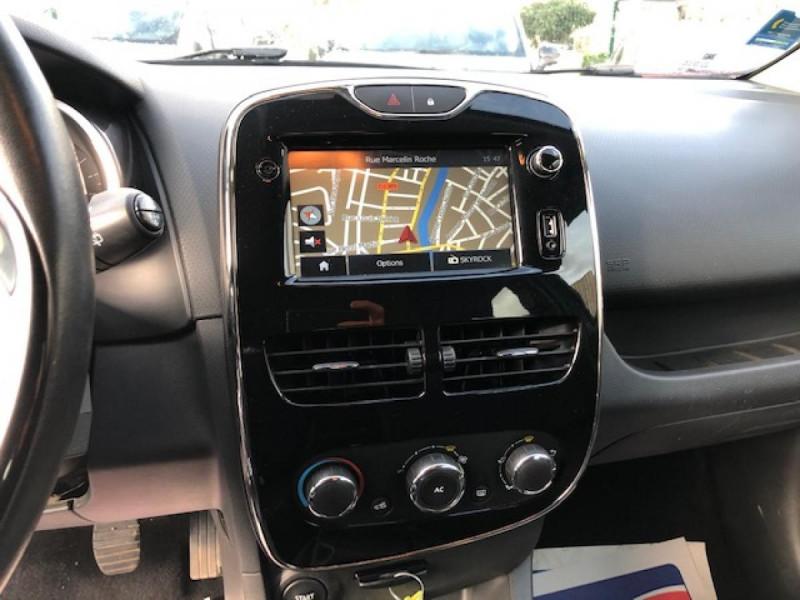 Photo 18 de l'offre de RENAULT CLIO 1.5 DCI 90 BUSINESS GPS DISTRI OK  à 7490€ chez Triplo auto