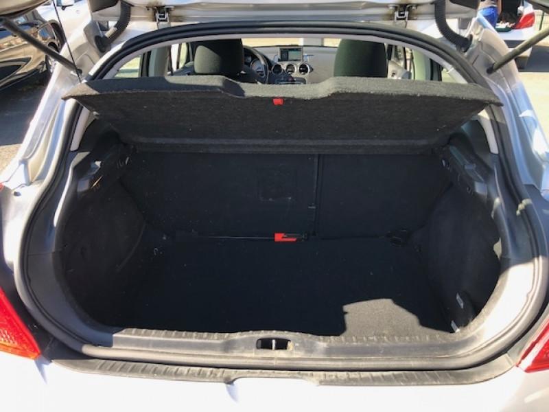 Photo 8 de l'offre de PEUGEOT 308  1.6 E-HDI 112 ALLURE GPS ATTELAGE à 7490€ chez Triplo auto