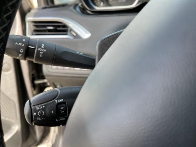 Photo 16 de l'offre de PEUGEOT 2008  1.6 E-HDI FAP - 92  ALLURE    TOIT   GRIPCONTROL à 11990€ chez Triplo auto