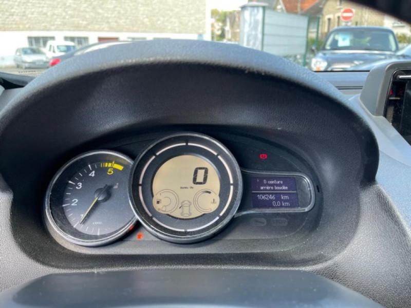 Photo 19 de l'offre de RENAULT MEGANE 1.5DCI-110  BUSINESS GPS RADAR RECUL à 7990€ chez Triplo auto