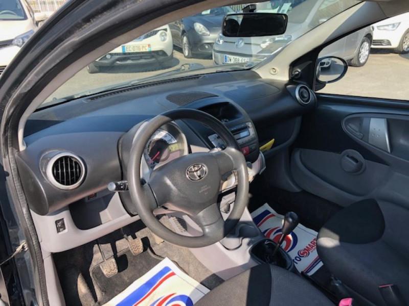 Photo 12 de l'offre de TOYOTA AYGO 1.4 D  CONFORT CLIM 5P à 2990€ chez Triplo auto