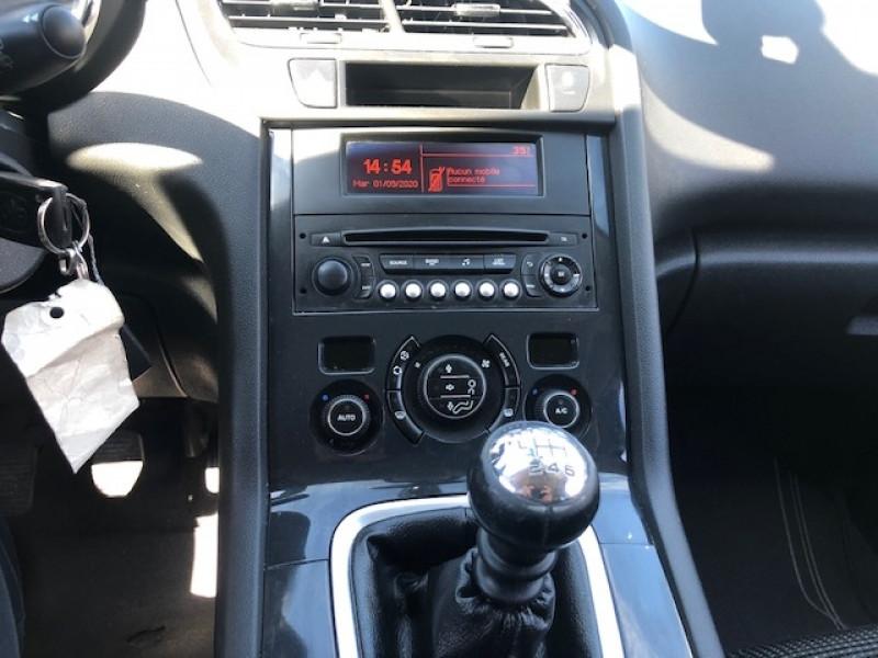 Photo 14 de l'offre de PEUGEOT 5008 7P 1.6HDI115  ACTIVE RADAR ATTELAGE à 8490€ chez Triplo auto