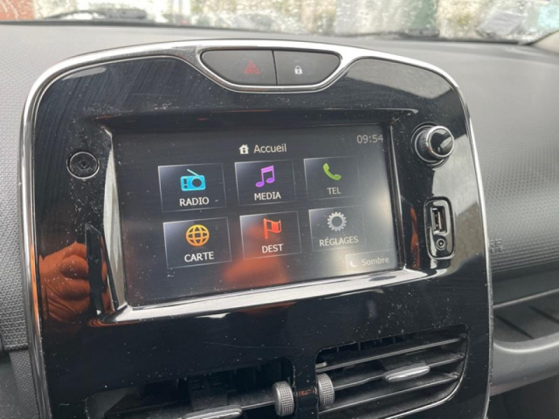 Photo 24 de l'offre de RENAULT CLIO 1.5DCI-90ZEN GPS DISTRI OK à 8490€ chez Triplo auto