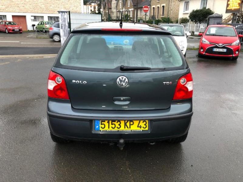 Photo 4 de l'offre de VOLKSWAGEN POLO 1.4TDI75 TREND CLIM ATTELAGE GAR3MOIS à 4990€ chez Triplo auto